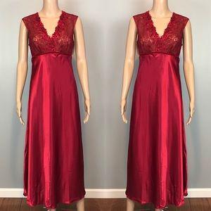 Oscar De La Renta Pink Label Red Lace Night Gown